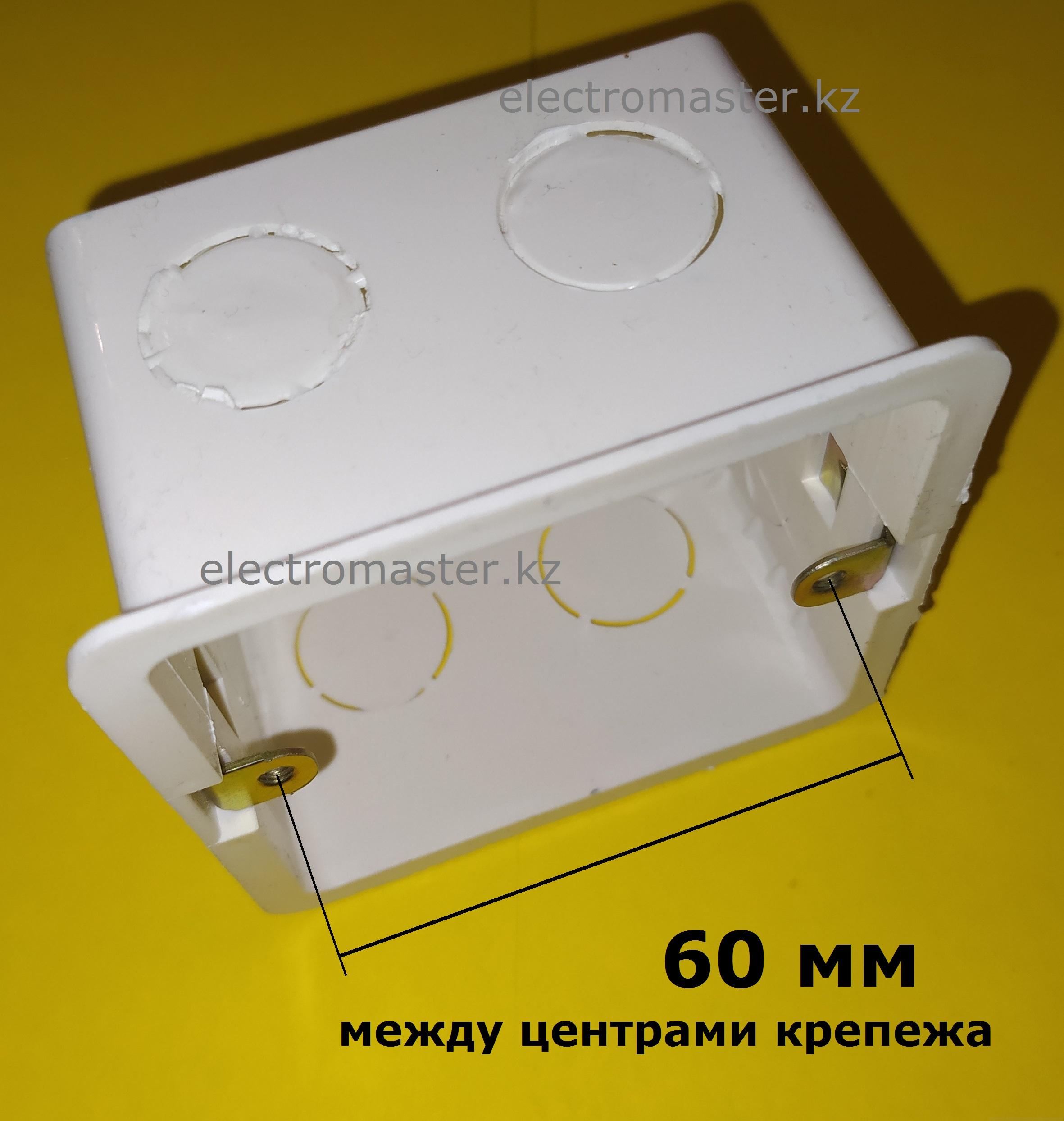Расстояние между креплениями квадратного подрозетника, стандарта 86х86 - 60 мм, надежно фиксирует электротехническое изделие